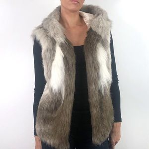 A New Day Faux Fur Hooded Vest Pockets Cream Brown